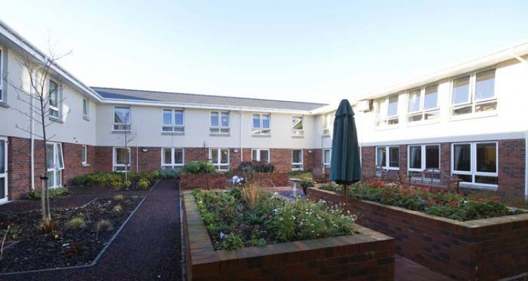 6220 Priory Courtyard